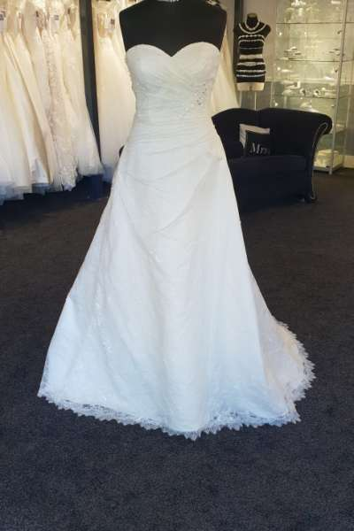 Ex Sample Wedding Dress
